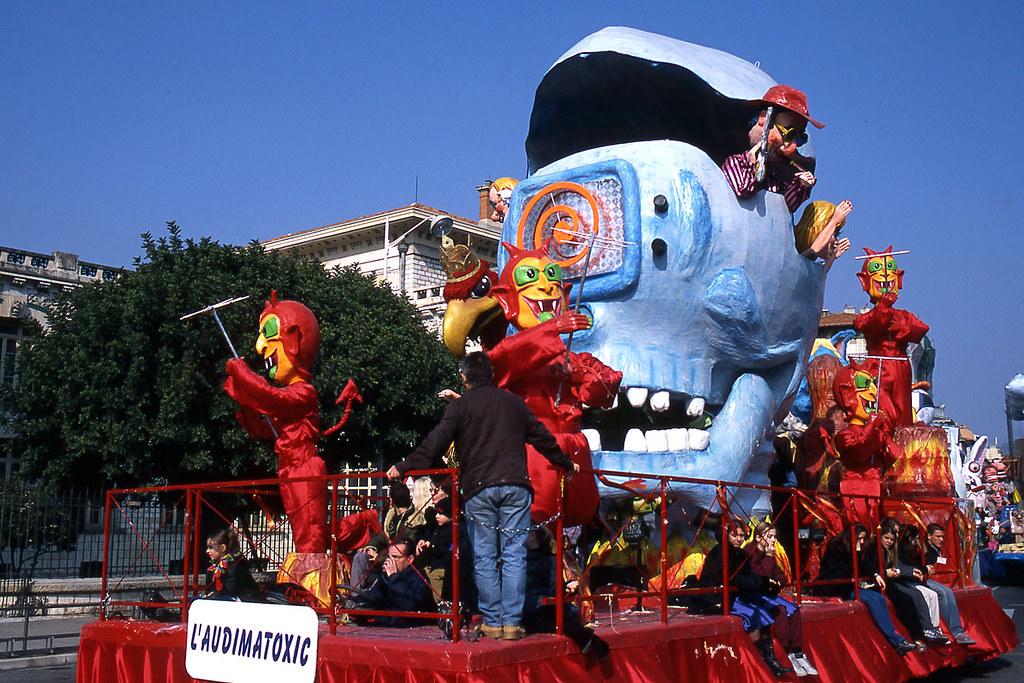 JHM-2003-t08c - Carnaval CXIX, Roi de la .comMedi@