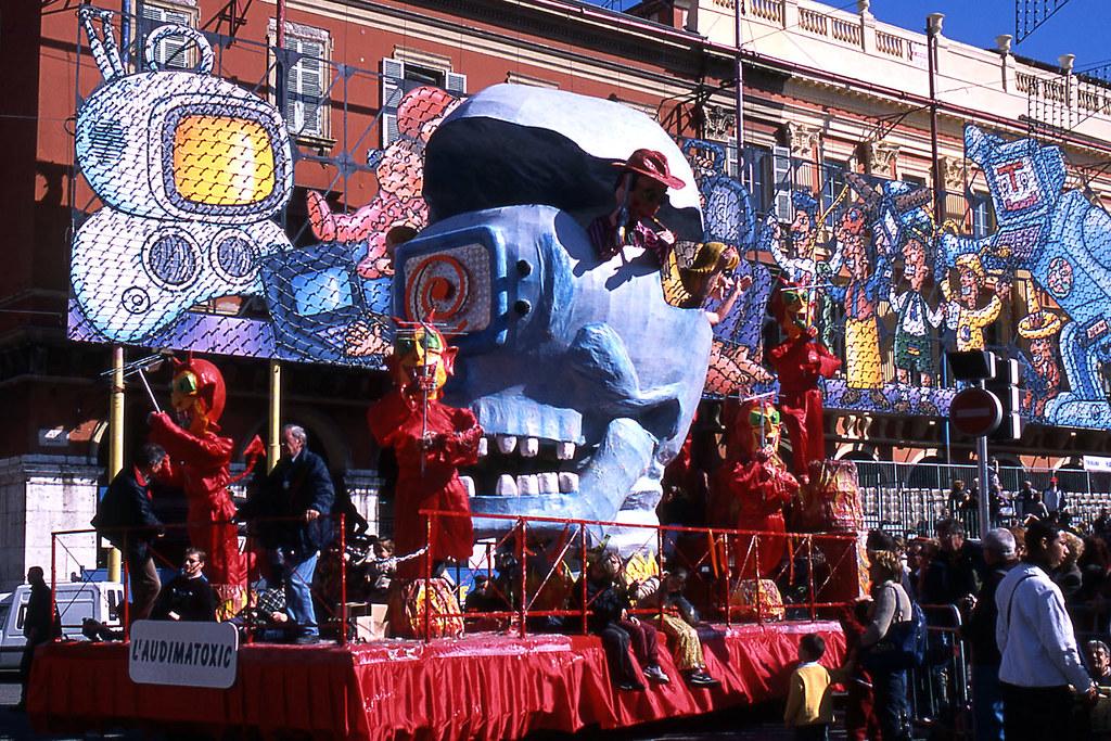 JHM-2003-t08a - Carnaval CXIX, Roi de la .comMedi@