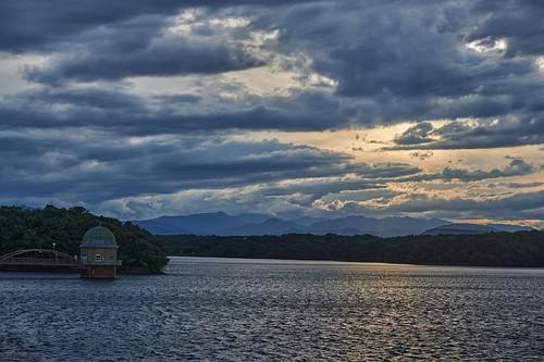 evening clouds sunset lake water nature mountains tama sayamapark higashimurayama tokyo japan 夕暮れ 雲 夜 湖 水面 自然 山並み 多摩湖 狭山公園 東村山 東京 sky landscape 空 風景