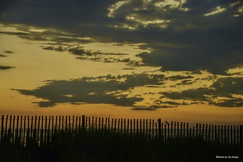 fenceforever delaware de sussexcounty rehobothbeach rehoboth clouds cloudy morning morninglight lsd lowerslowerdelaware fence fenceline fencefriday fencepost hff atlanticocean outdoor ocean delmarva delmarvamorning dunes dunegrass grass grasses silhouette silhouettes onlyindelaware visitdelaware horizon waves water watchingthesunrise sunlight sunrise goodmorning goldenhour