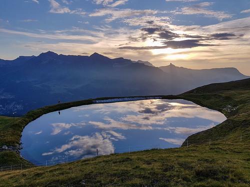 eigertrail kleinescheidegg trailrun sunset cloud swiss e35 e101 raidlight samsungs8