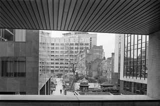 Highwalk, view, St Botolph's Churchyard, City, 1987 87-11a-22-positive_2400