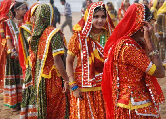DSC_1818IndiaPushkarCamelFairDansgroep