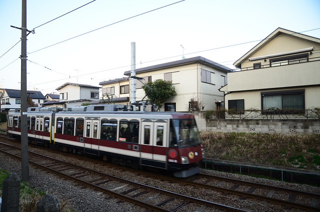 "Tokyu Setagaya Line 300 Series in ""Throwback Uniform"" Wrapping near Yamashita Station in 2018 March"