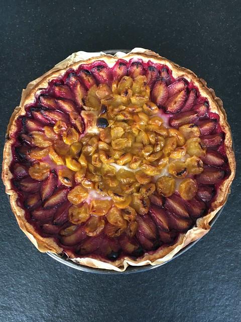 Plum and mirabelle plum pie