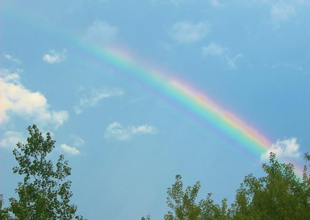 Derrière chez nous...il y a un arc-en-ciel!