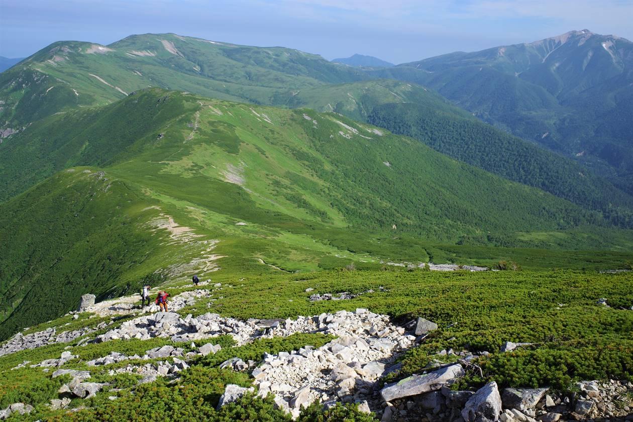 黒部五郎岳~北ノ俣岳~薬師岳の稜線風景