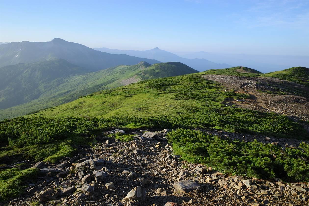 北ノ俣岳~黒部五郎岳 雄大な稜線を行く夏の縦走登山