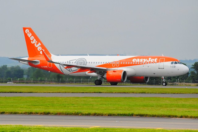 G-UZHE AIRBUS A320-251 NEO.