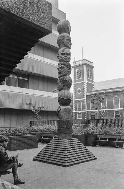 The Seven Ages of Man, Richard Kindersley, sculpture, Baynard House, Queen Victoria St, City, 1987 87-11d-41-positive_2400