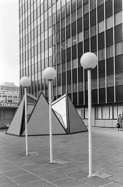 Bassishaw High Walk, City, 1987 87-11c-16-positive_2400
