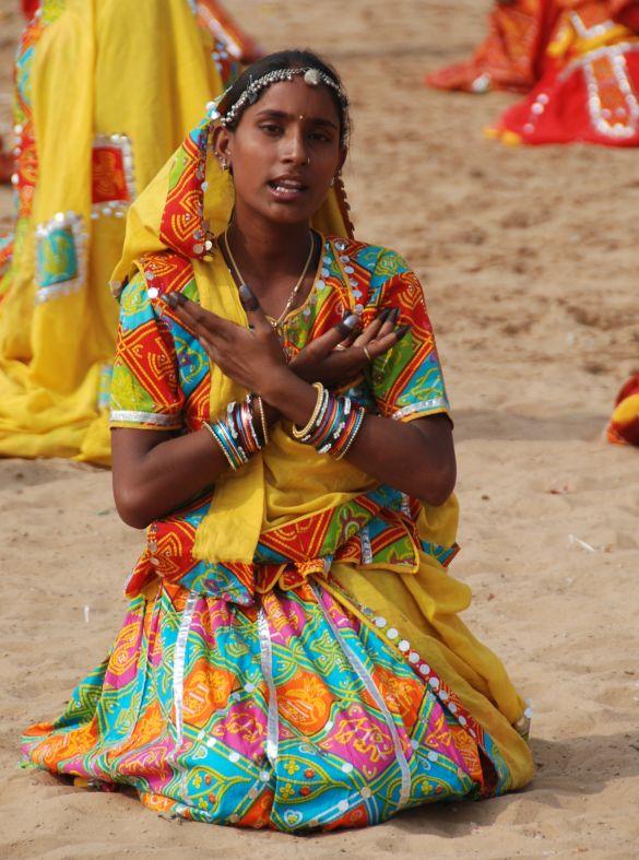 DSC_1829IndiaPushkarCamelFairDansgroep