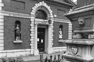 St Botolph's Church Hall, Bishopsgate Churchyard, City, 1987 87-11a-15-positive_2400