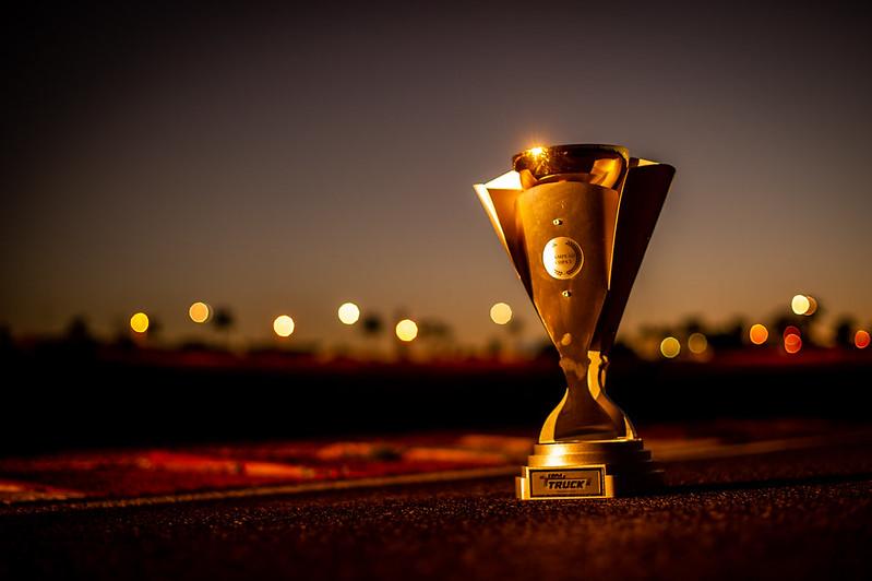 14/08/20 - Os troféus dos vencedores da etapa de Goiânia da Copa Truck - Fotos: Duda Bairros