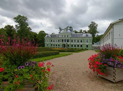 Kokmuiža castle