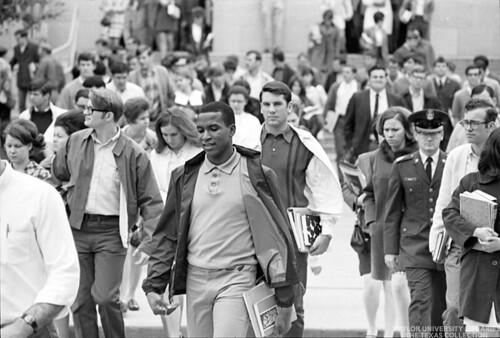 Baylor University Students-1968-69 Crowd (3)