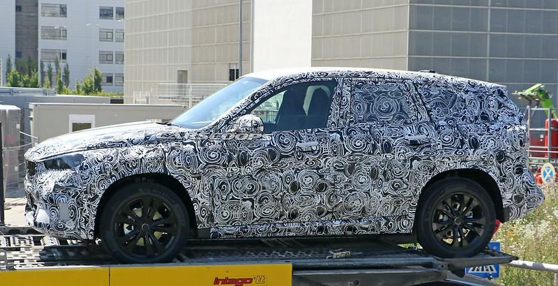 Next-generation-BMW-X1-spy-shots-8