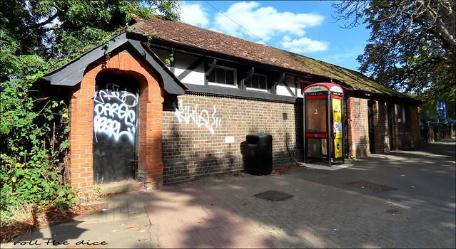 Public Conveniences/Barnes Common