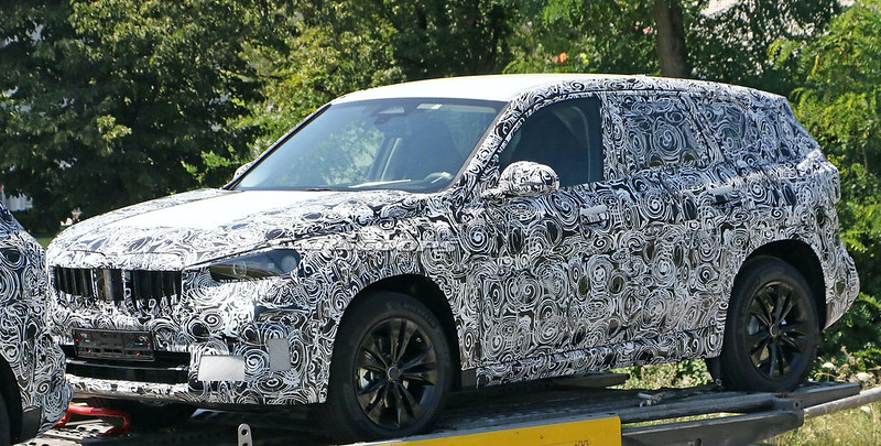 Next-generation-BMW-X1-spy-shots-3