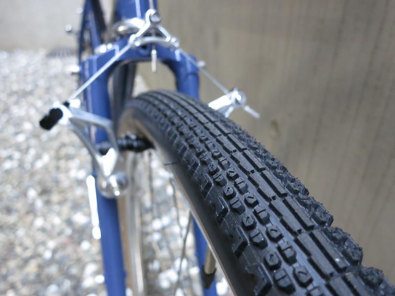 SURLY Cross Check Alfine Blue Tire