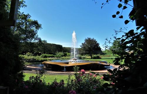 chicagobotanicgarden chicago botanic garden gardens fountain glencoe illinois summer flowers vines roses trees arbor