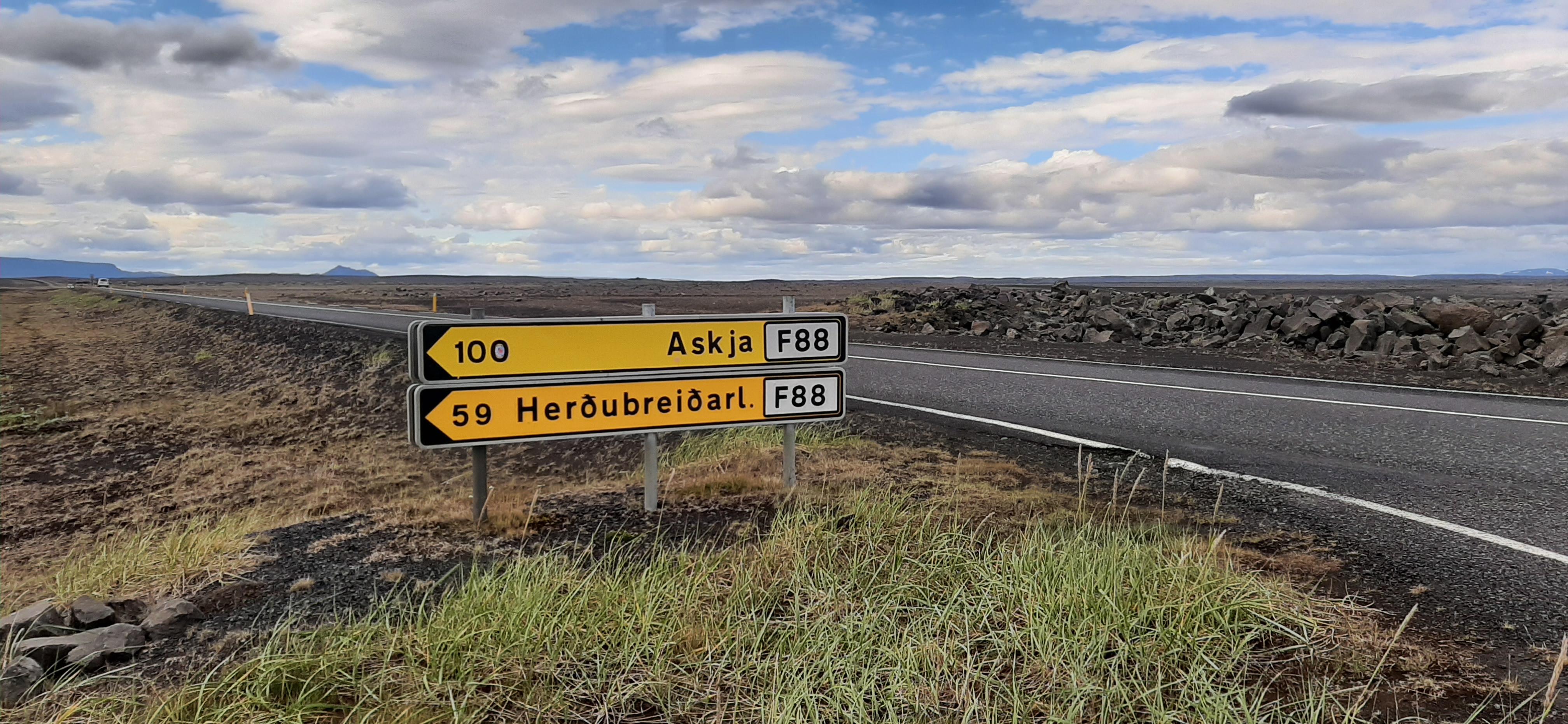 Road to Askja - F88