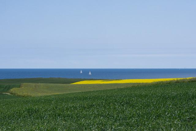 Zwei Segelboote auf der Ostsee