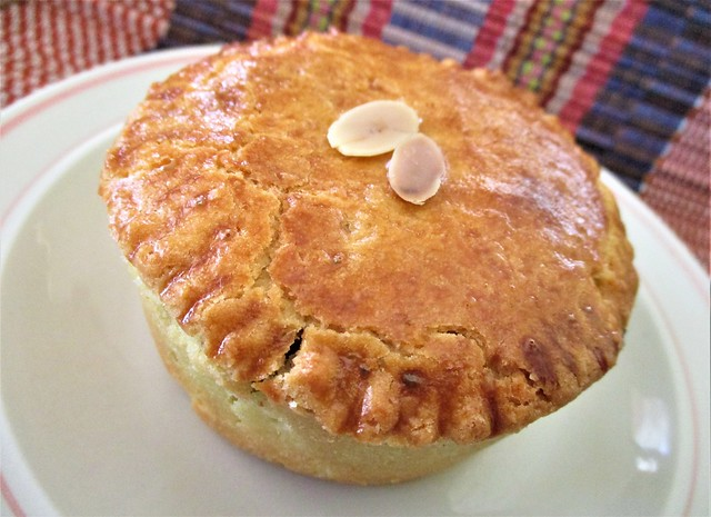 Outright beef pie