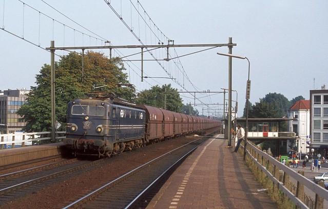 Arnhem Velperpoort, goederentrein in 1982