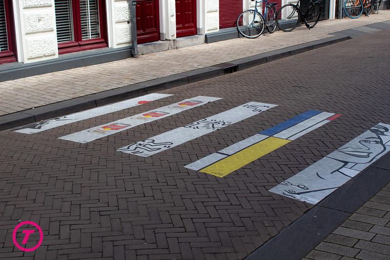 Kunstzinnig zebrapad in de Tuinstraat | Vrijdag 14 Augustus 2020