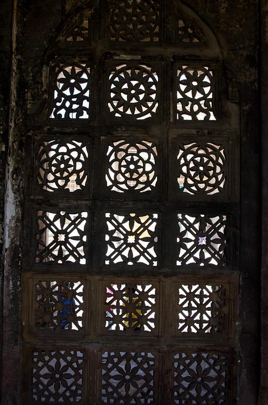 Sarkhej Roza motifs are a fusion between Hindu and Muslim Art