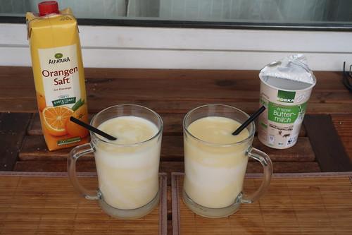 Orangenbuttermilch auf unserem Balkon
