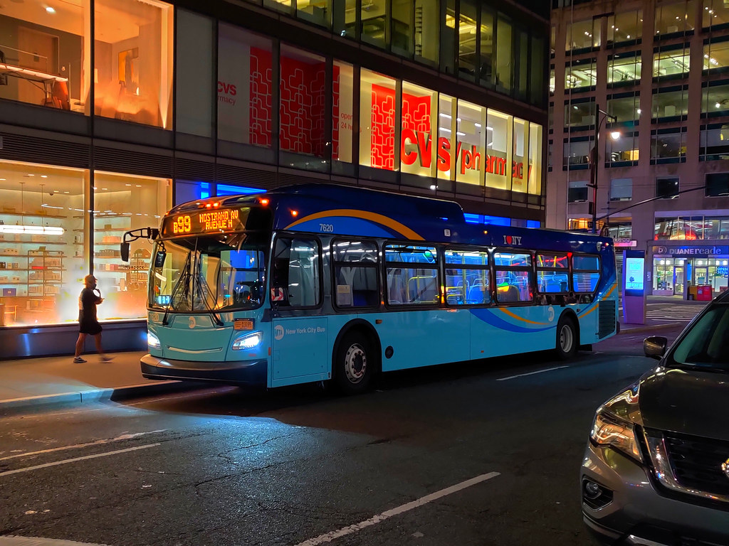"""2018 New Flyer """"Xcelsior"""" XD40 7620 on the B99 at West 58th Street & Broadway"""