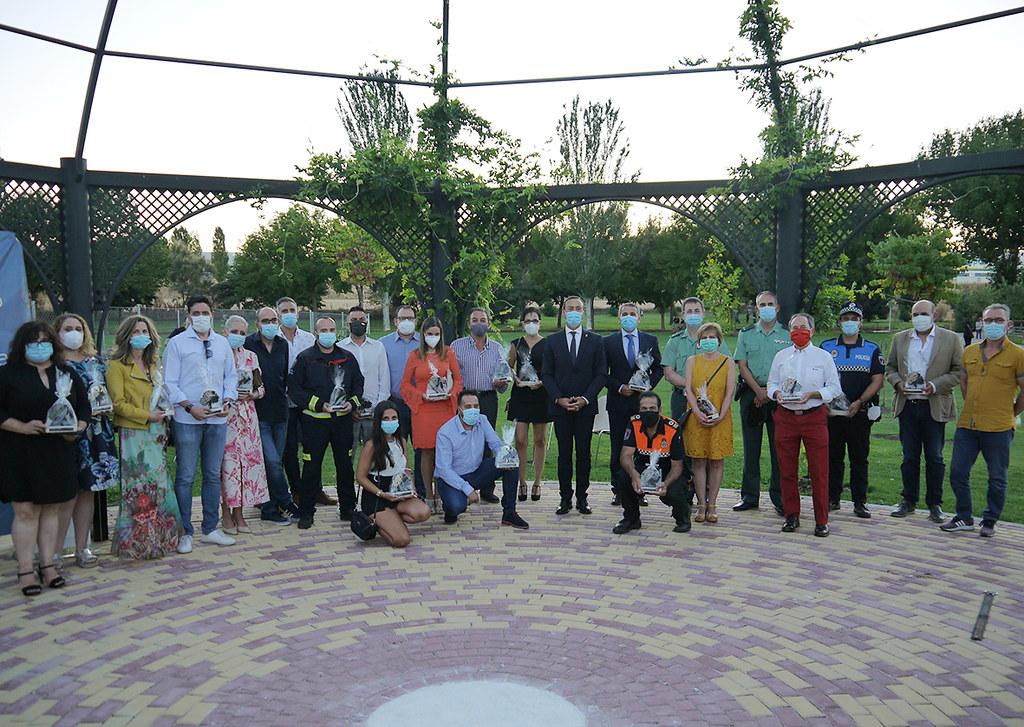 Homenaje víctimas y héroes COVID19 Carbajosa.  (12)