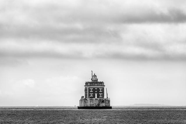 New London Ledge Lighthouse BW