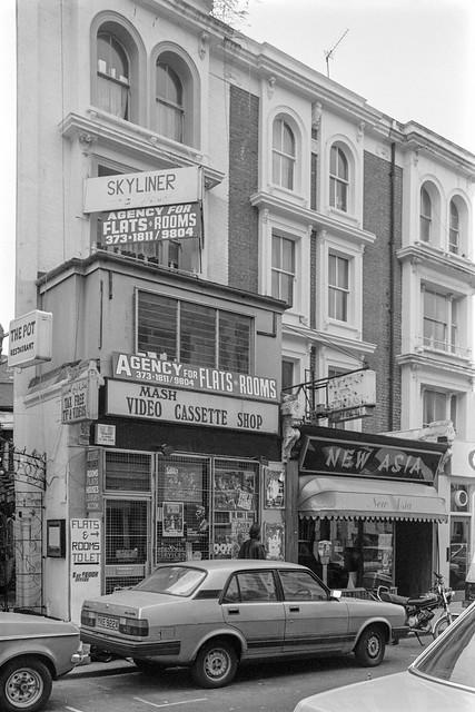 Hogarth Rd, Earl's Court, Kensington & Chelsea, 1987  87-12e-64-positive_2400
