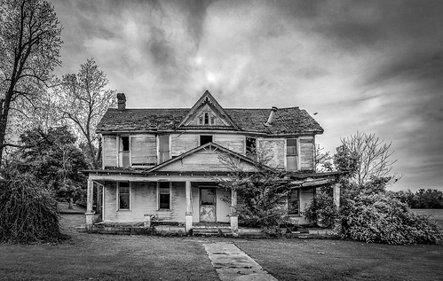 abandoned home ruraldecay backusburg bobbell xpro1 fujifilm