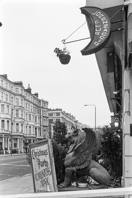 Cromwell Rd, South Kensington, Kensington & Chelsea, 1987  87-12f-12-positive_2400
