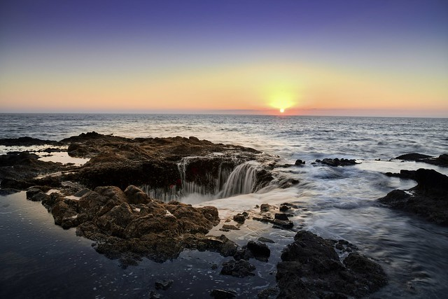 Sunset at Thor's Well