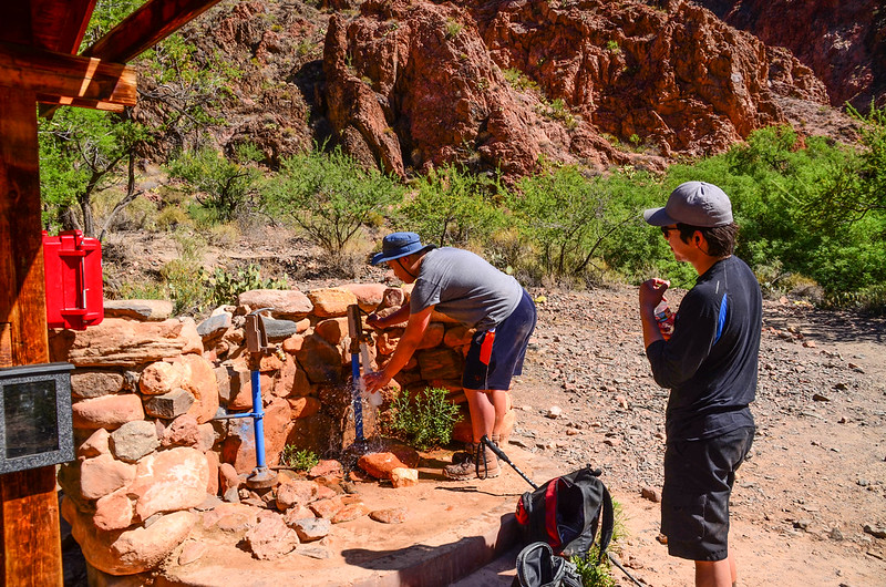 Water refilling station at the bottom on the South Kaibab Trail (1)