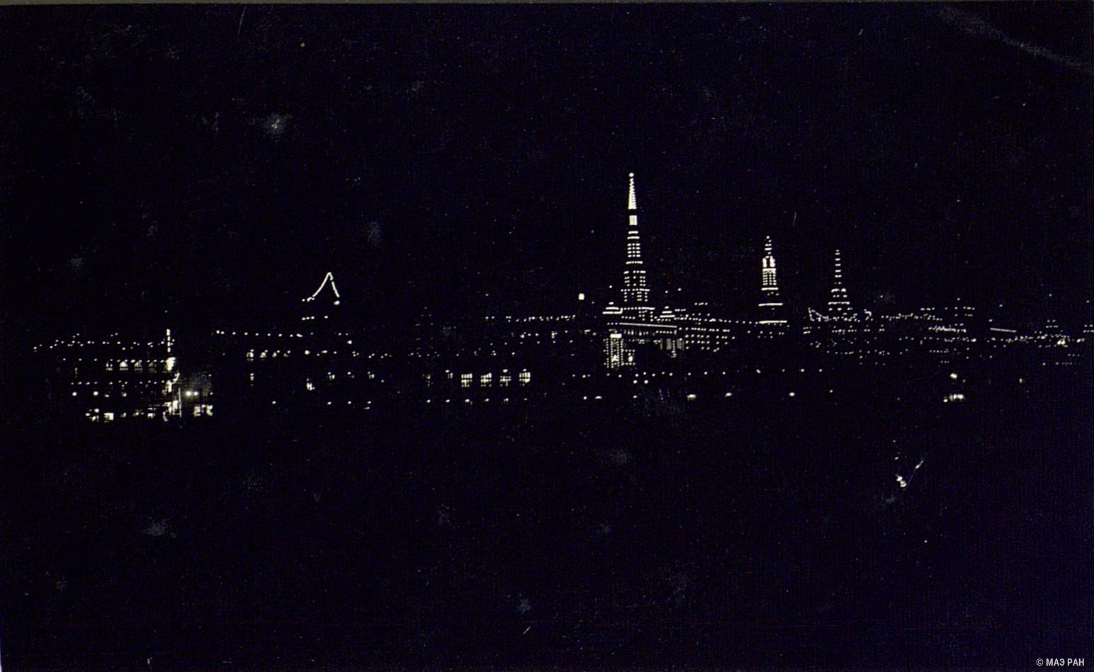 04. Ночной вид Международного сеттльмента в Шанхае