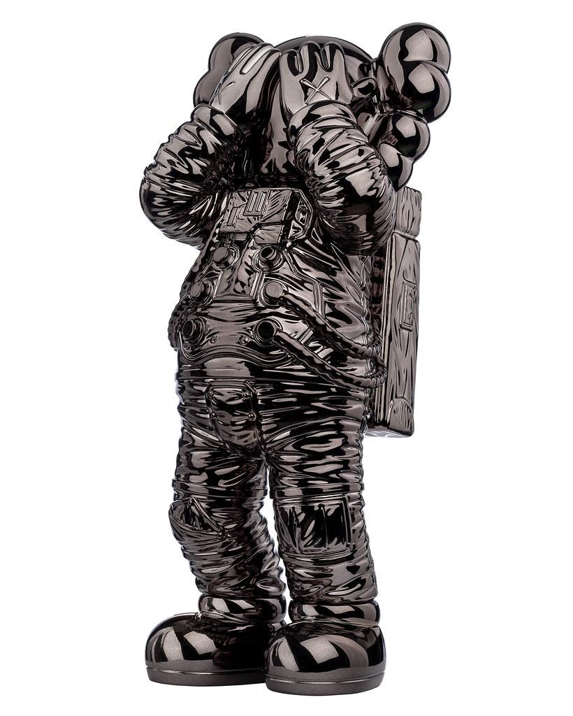 COMPANION升上太空!ARR《KAWS:HOLIDAY SPACE》推出三款太空站獨家特別版限量公仔