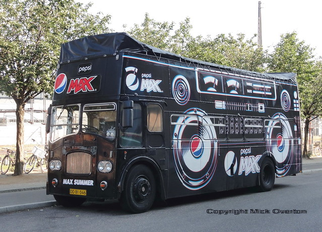 Pepsi Max DD81046 Leyland Titan Ex Southdown 413DCD