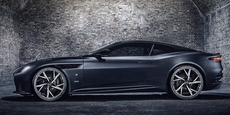 2021-aston-martin-dbs-superleggera-007-edition-3