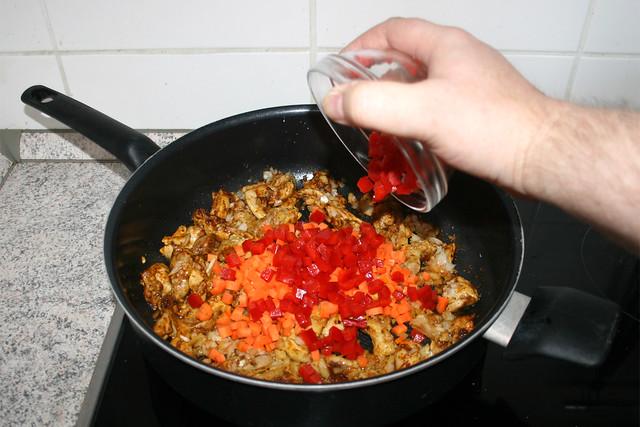 19 - Add bell pepper / Paprika dazu geben