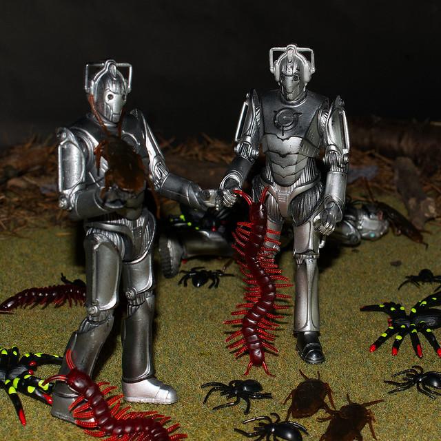 Cybermen vs Bugs
