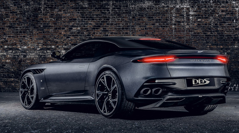 2021-aston-martin-dbs-superleggera-007-edition-4