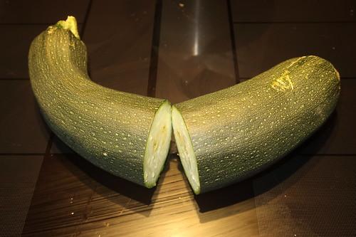 Zucchini (halbiert)