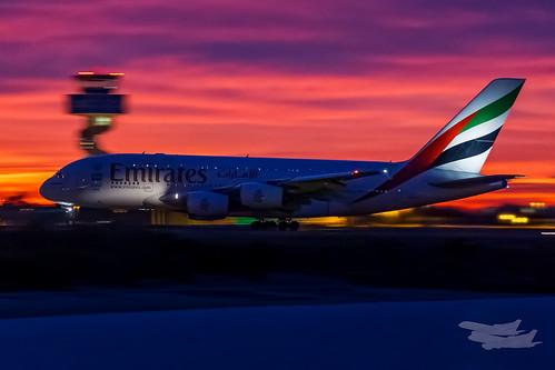 mascot newsouthwales australia emirates ek airbus a380 sunrise syd yssy sydneyairport