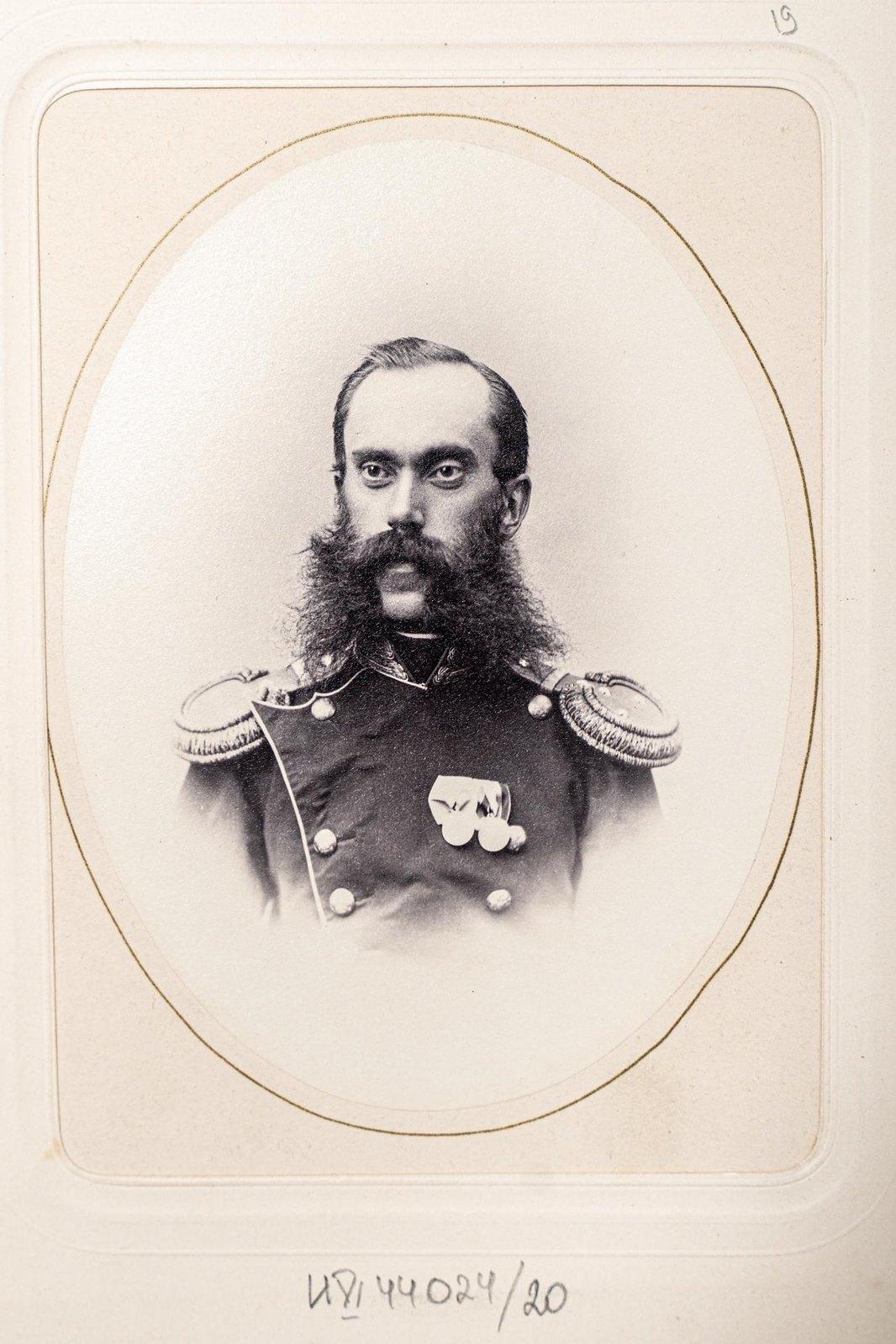 Неизвестный офицер Измайловского полка4